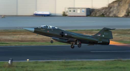 cf-104d-takeoff